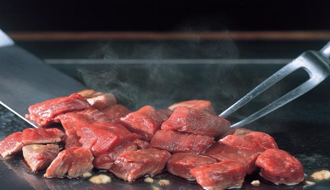 【沖縄deステーキ】国際通りのクッキングパフォーマンスステーキディナー付きプラン☆朝食なし