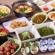 沖縄食材たっぷりの和洋朝食ブッフェです。