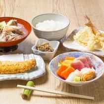 *料理一例(お魚膳)/品数豊富な魚料理を存分にお楽しみいただけます。