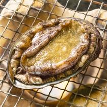 *料理一例(あわび焼き)/日本海産の天然あわびをお楽しみ下さい。