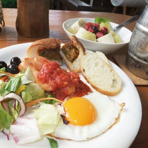 *朝日を浴びながらゆっくりご朝食をお召し上がり下さい