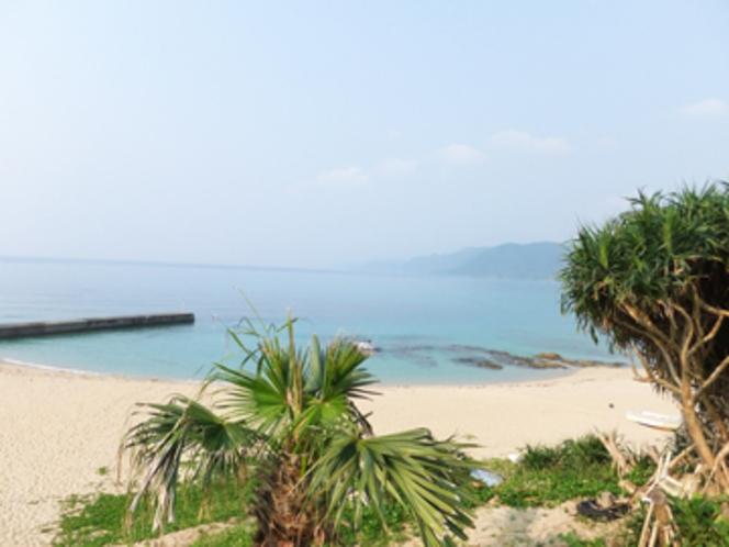 ビラビーチ(当館から歩いて5分)。美しい景色を眺めゆったりとしたひと時を。