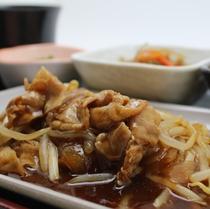 夕食(一例):豚スタミナ焼き