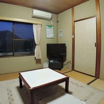 【和室4畳半】海側のお部屋になります。