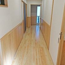 【廊下】リニューアルした1階廊下です♪