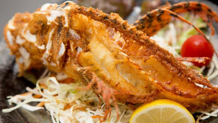 *【ご夕食一例】その日に獲れた旬の魚の唐揚げです。