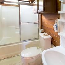 バスルーム(洗面台、トイレ、バス)