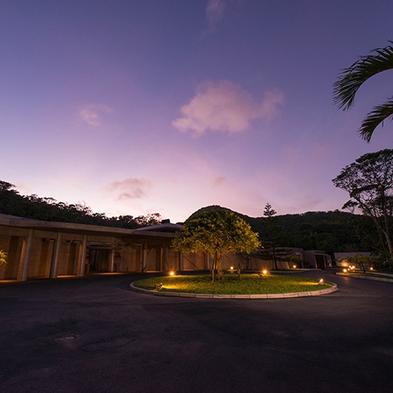 【期間限定】全室温水プール対応/ゆったり優雅にプライベートリゾート<朝食付>