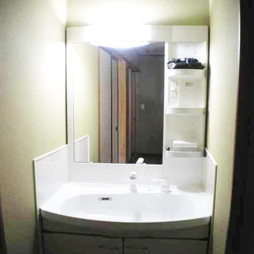 全客室に洗面台とドライヤーがございます。