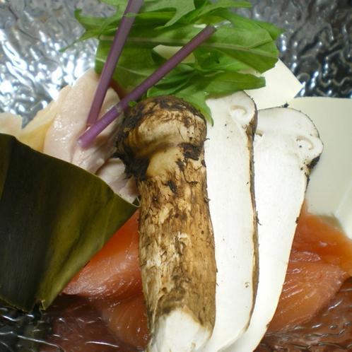 *毎年、秋になると北三陸から送られてくる松茸。味、香りがたまらない秋の味覚です。