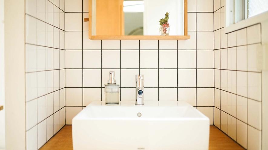 ・【Family Room】共用部には洗面台が付いています