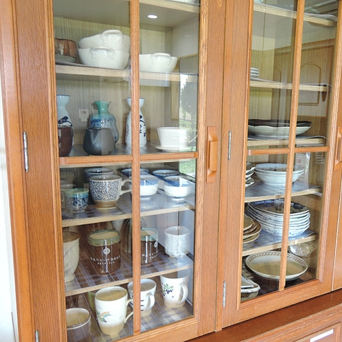 *【施設設備】コップもお皿もご自由にお使いください。