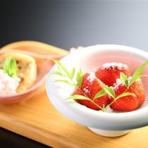 ■【水菓子一例】その昔、当館では敷地に苺農園がありました。