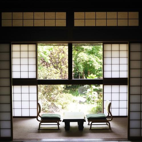 ■【特別室 唐松】額縁のような美しい広縁
