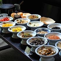 【朝食】バイキング シャケの塩焼きが人気です