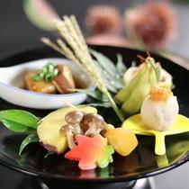 ■【秋の前菜一例】安曇野豚の角煮、ブナシメジの含め煮など信州の味。お召し上がりください。