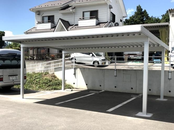 屋根付き車庫