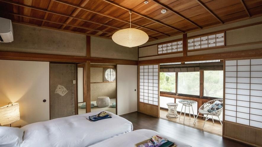 【VMGプレミア (ペットと泊まれる・4名定員)・801】2階の窓から篠山城跡をのぞめるお部屋
