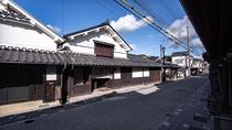 【外観・YOMENA棟】伝統的建造物群保存地区の入り口近くに位置する一棟貸しのYOMENA棟。