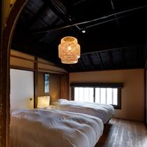 【サワシロ201室 2階】当時の趣を色濃く残すメゾネット形式のお部屋