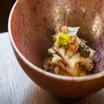 丹波篠山の豊富な自然の恵みを頂く「テロワール・エ・ナチュール」がテーマのお料理