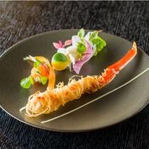 冬にはフレンチの技法で味わう新しい蟹の楽しみ方を