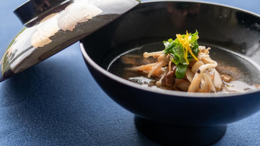 島豚と十種野菜の沢煮椀