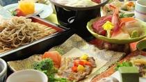 ■【お食事】~贅を極める・茨城グルメ饗宴~常陸牛サーロインステーキや常陸秋そばが旬の品々と並びます