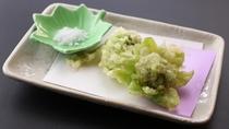 ■【お食事】~四季と移ろう逸品~天ぷらは山菜やきのこなど旬をお楽しみいただけます。