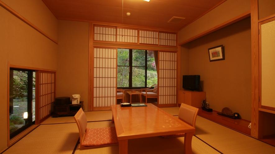 ■【純和風客室】和の良さを閉じ込めた安らぎの客室です。客室専用のお風呂もございます。