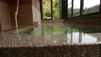 ■【美肌の湯】自慢のアルカリ性の温泉は体の芯からポカポカに、湯冷めしにくいと評判です。