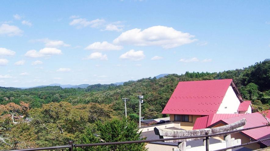 【ホテル三嶋の湯】自然に囲まれ、心身ともに癒されます。