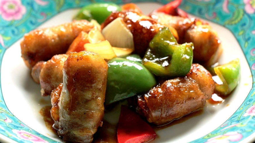 日替わり料理中華。豚肉と旬野菜の甘酢炒め