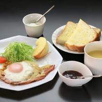 朝食は洋食になります。