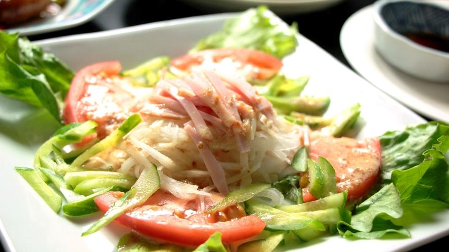 日替わり料理中華。中華サラダ