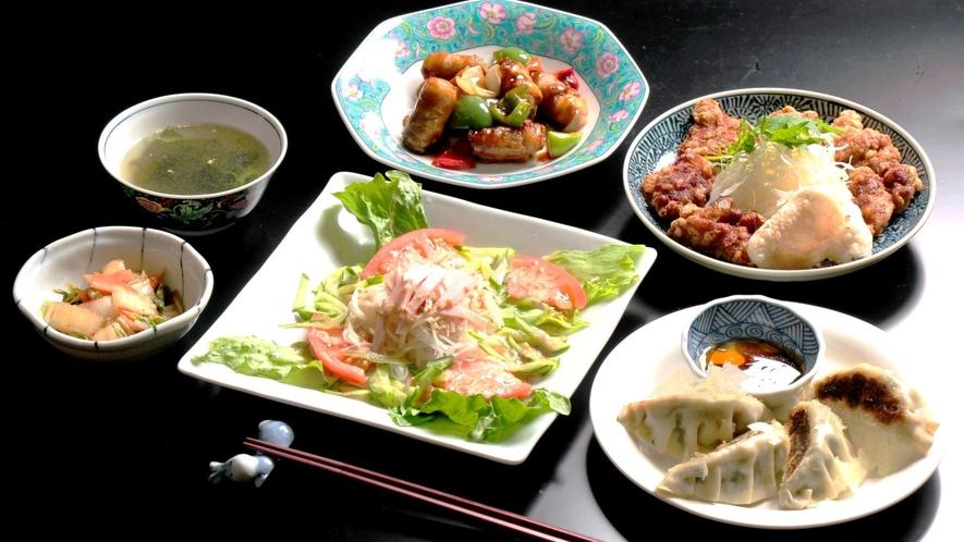 地元食材の日替わり料理。和食・洋食・中華とレパートリー豊か♪(中華一例)