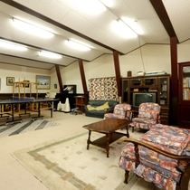 多目的ホールにはピアノ・卓球台などがあり、パーティールームとしてもご利用可能です。