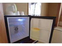 【電気ポット】マグも無料でご使用いただけます。コーヒーや温かいお飲み物にお使いください!