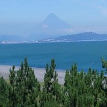 部屋から見える富士山
