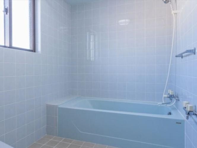 メゾンマックス4階 青で統一された広いバスルーム