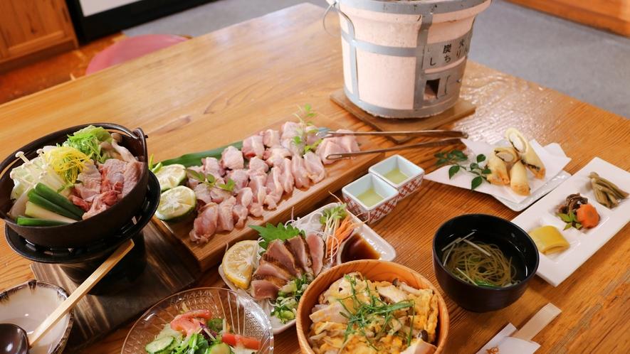 *お肉が新鮮やき、焼き肉はちょっと炙るばあでピンク色のお肉が美味しいきね。