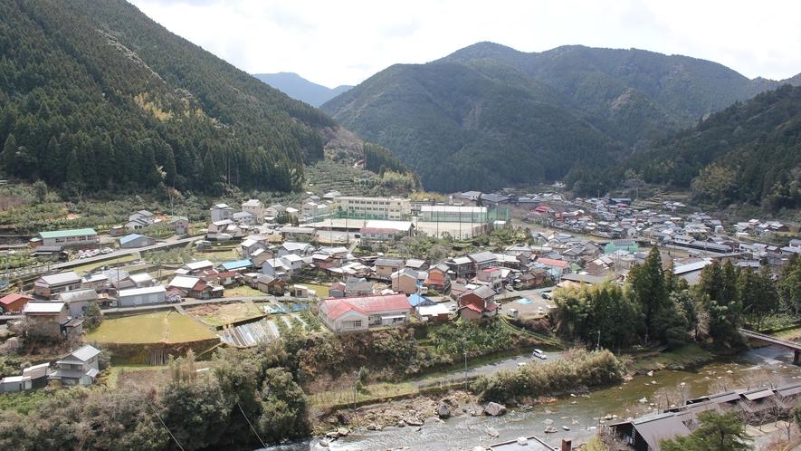 *【馬路村】山に囲まれた自然いっぱいの小さな村です。