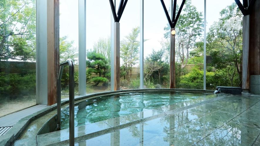 *富士の熔岩からきている天然温泉