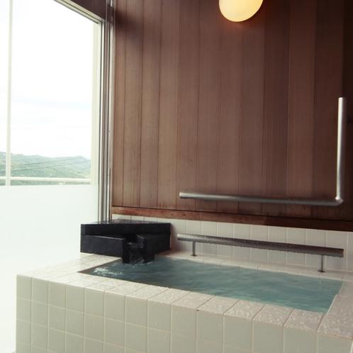 1階にあるバリアフリーの部屋付きのお風呂
