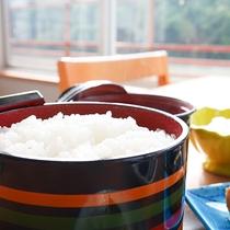 *【お料理】那賀町産のお米を使用した、ふっくらもちもちご飯です。
