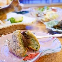 *【お料理】はんごろし…もち米を半分つぶしている地元の有名な和菓子