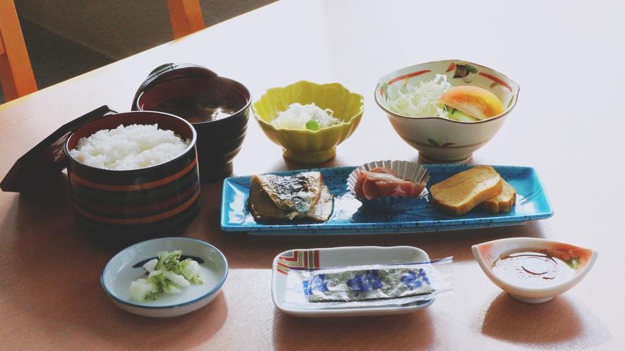 *【朝食】那賀川を眺めながら食べる朝食は格別!