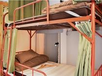 女性専用ドミトリー2段ベッド