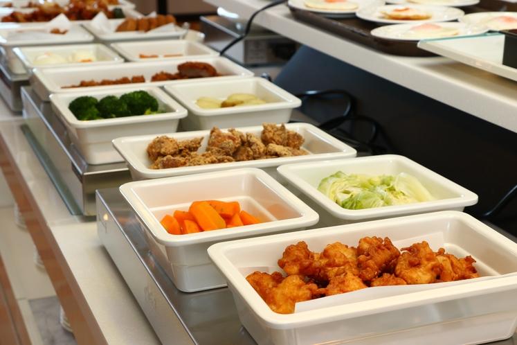 【朝食】釧路名物「ザンギ」・阿寒ポークのヒレカツなど地元食材を使った料理もたくさん♪