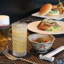 ホテル辰巳屋のBAR飯